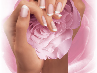 Is the French manicure still in style in Montreal?