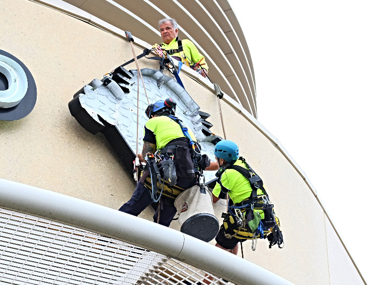Sky sign installers