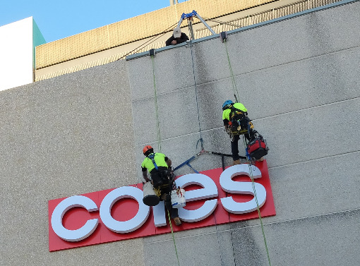 Rope access signage