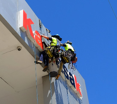 Rope access sign installers