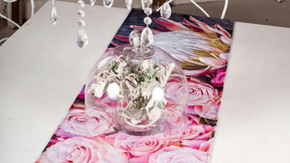 Tafel loper - Protea met Pink Rose