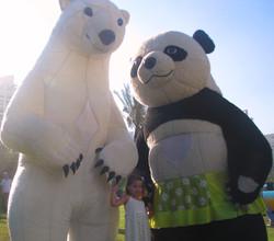 בובות ענק ומיצגים לכל האירוע הקרנבל של הילה (3)