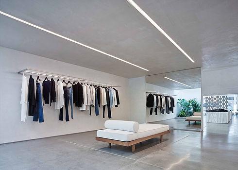 minimal-boutiques-helmut-lang-showroom_s