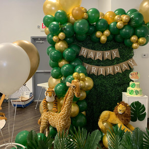 Grass Wall with a Half Ballon Garland