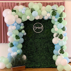 Full Arch Balloon with Small Grass Wall 4x6: $285