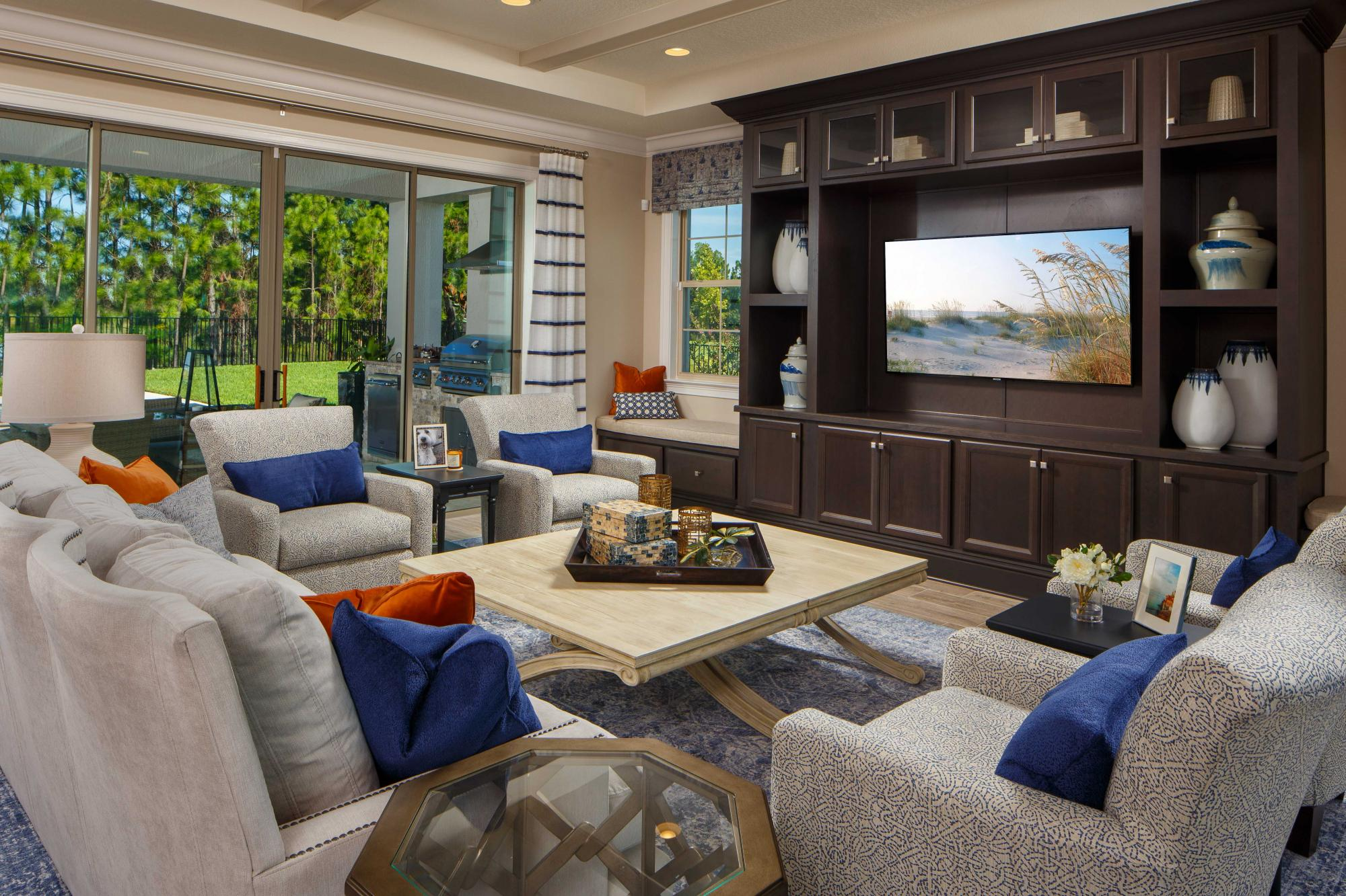 330953574739396_avalon_cove_living_room_