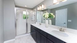 sofia09webownersbathroom