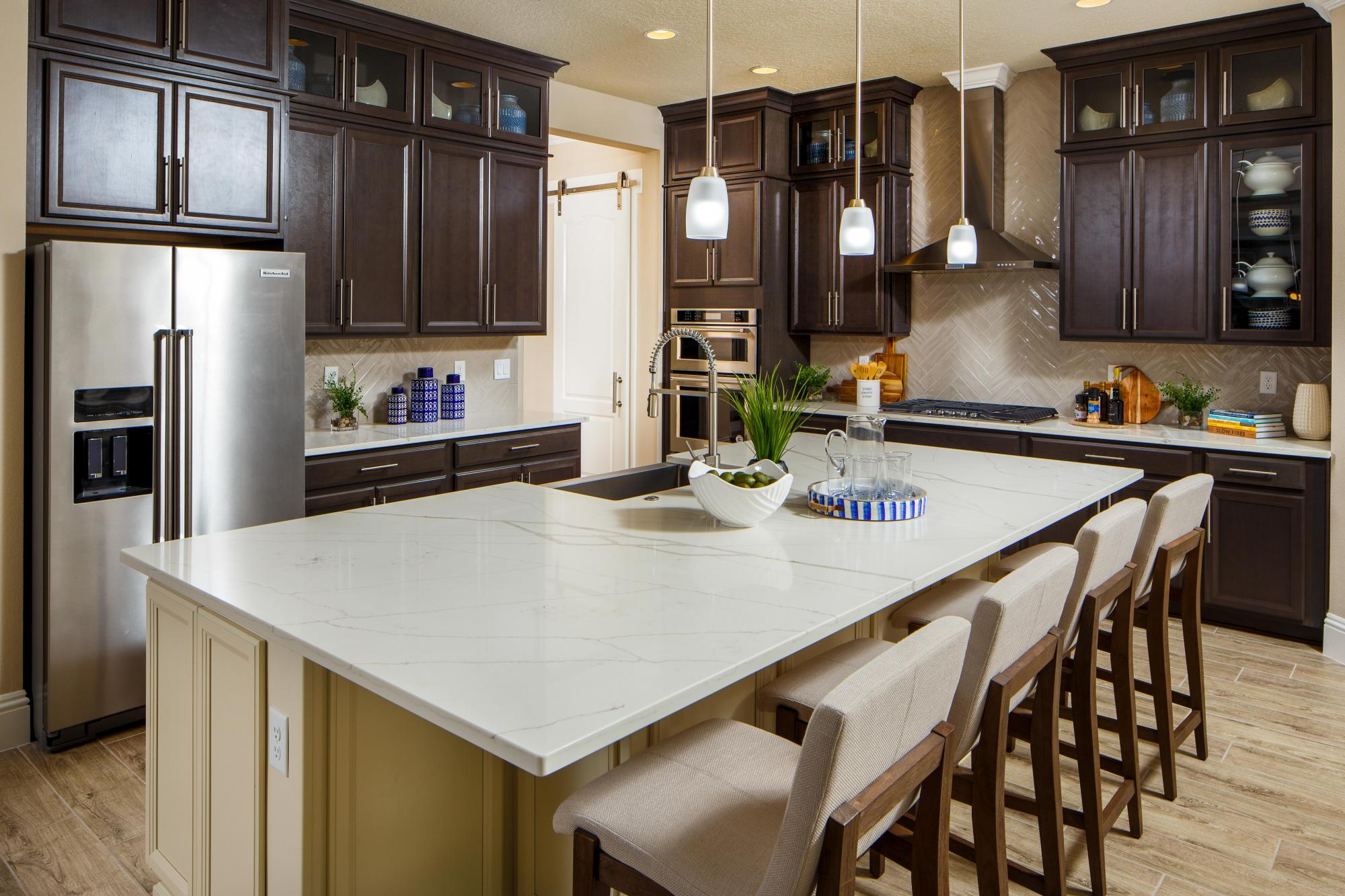 383444253355264_avalon_cove_kitchen
