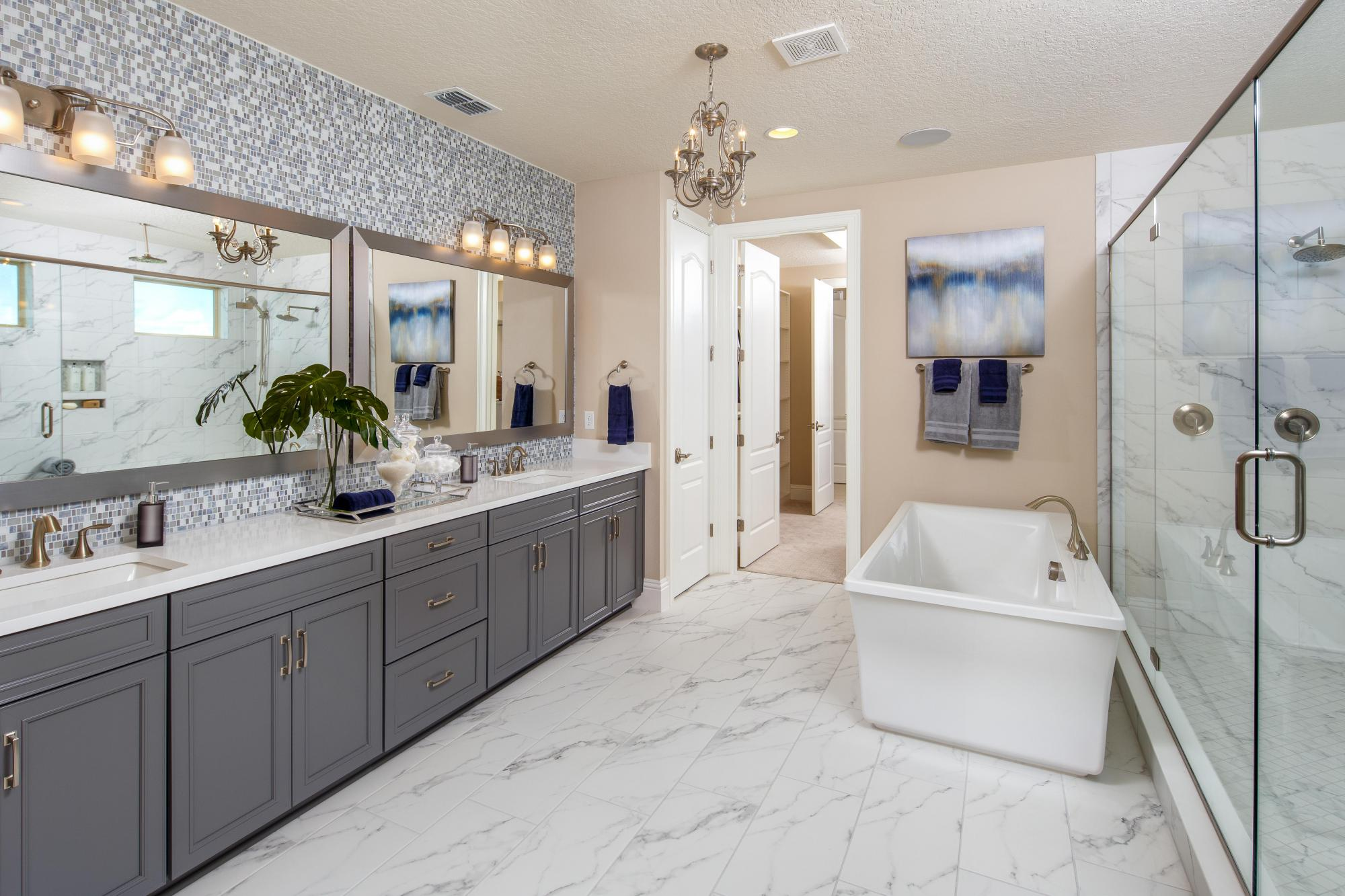 979518426582217_avalon_cove_master_bath.