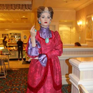 UDCHG DINING 1900 PARK FAIRE LADY TREMAN