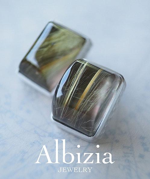Al-2733_Ps_黒蝶貝+ルチルクォーツピアス