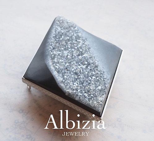 Al-3006B 結晶オニキスブローチ