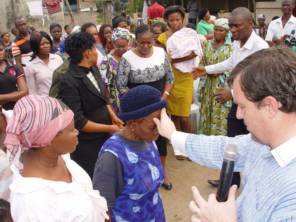 Warren Hunter praying for the sick in south Africa-Sword Ministries International