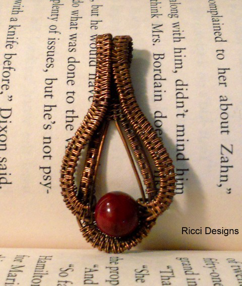 Dark red Dyed Quartite Ruby Round Woven in Copper