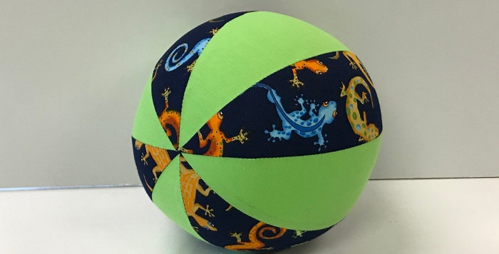 Balloon Ball Small - Geckos Blue with Lime Green Panels