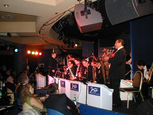 Paris France Big Band, Just before I hit the stand