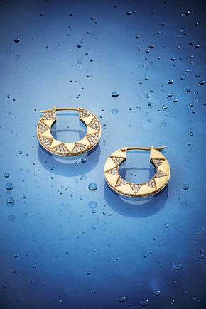 Jewelry Advertising Photography by Mark Glenn