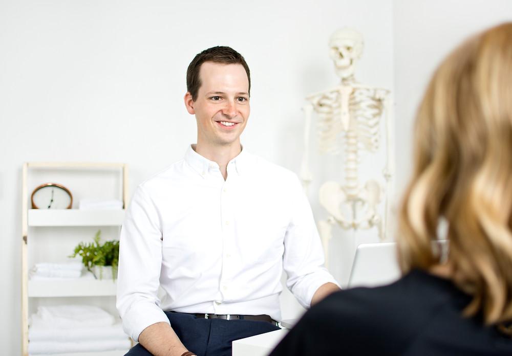 chiropractor massage therapy uxbridge