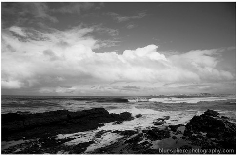 bluespherephotography.com © - OCEAN VIEWS - Kirra B+W Rocks