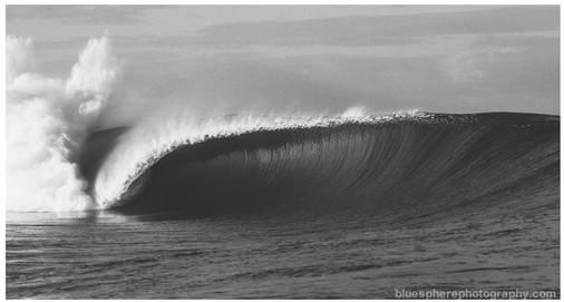 bluespherephotography.com © - OCEAN VIEWS - Chopes Tahiti 3 B+W