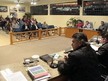 """Serginho abre discussão sobre implantação de abastecimento de água pela Sanepar no """"Interior&qu"""