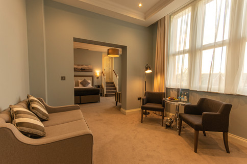 Suite and lounge