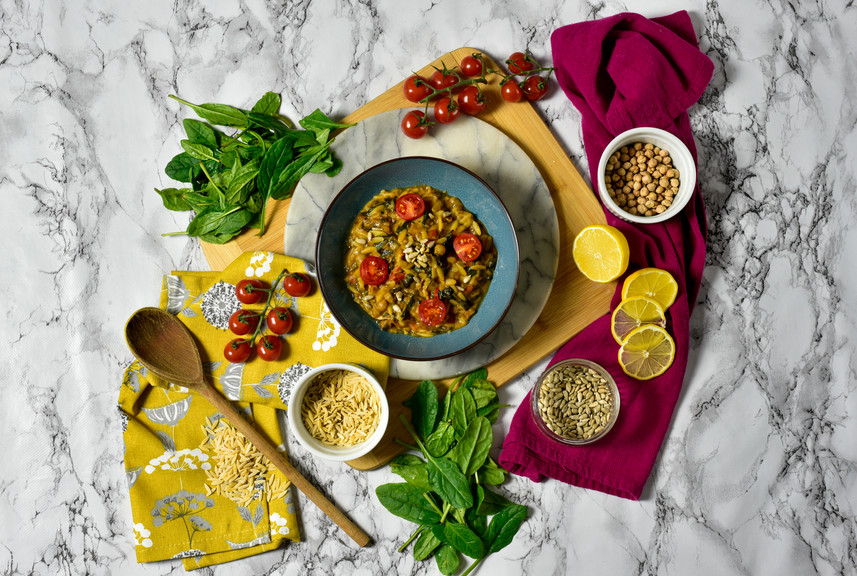 Chickpeas, tomato and Spinach Orzo