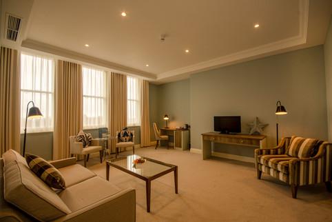 Master Suite - Lounge