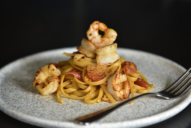 Prawn and tomato linguine