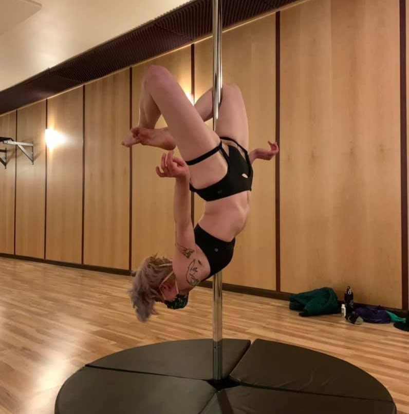 Pole 2 Tricks and Combo's; Friday at 7pm