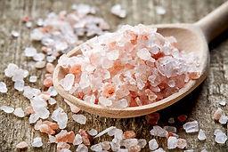 Himalayan-Pink-Salt-Vs-Sea-Salt.jpg