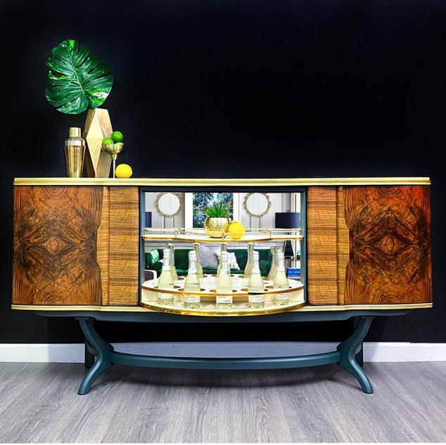 Bond Drinks Cabinet