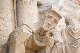 Statue in BARCELONA.jpg