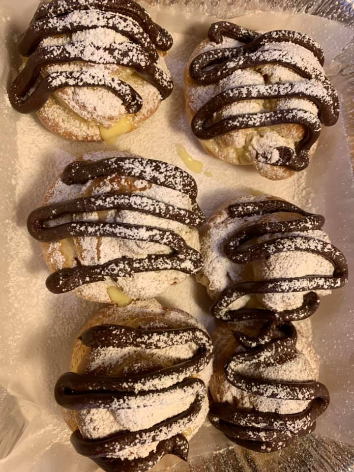 banana cream puffs