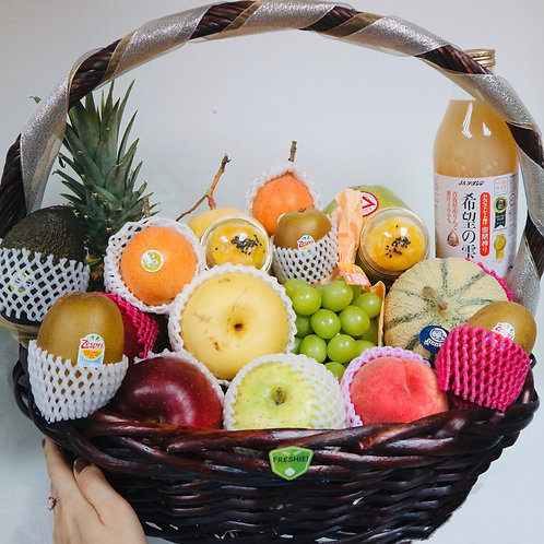 Deluxe Sparkling Christmas Fruit Basket