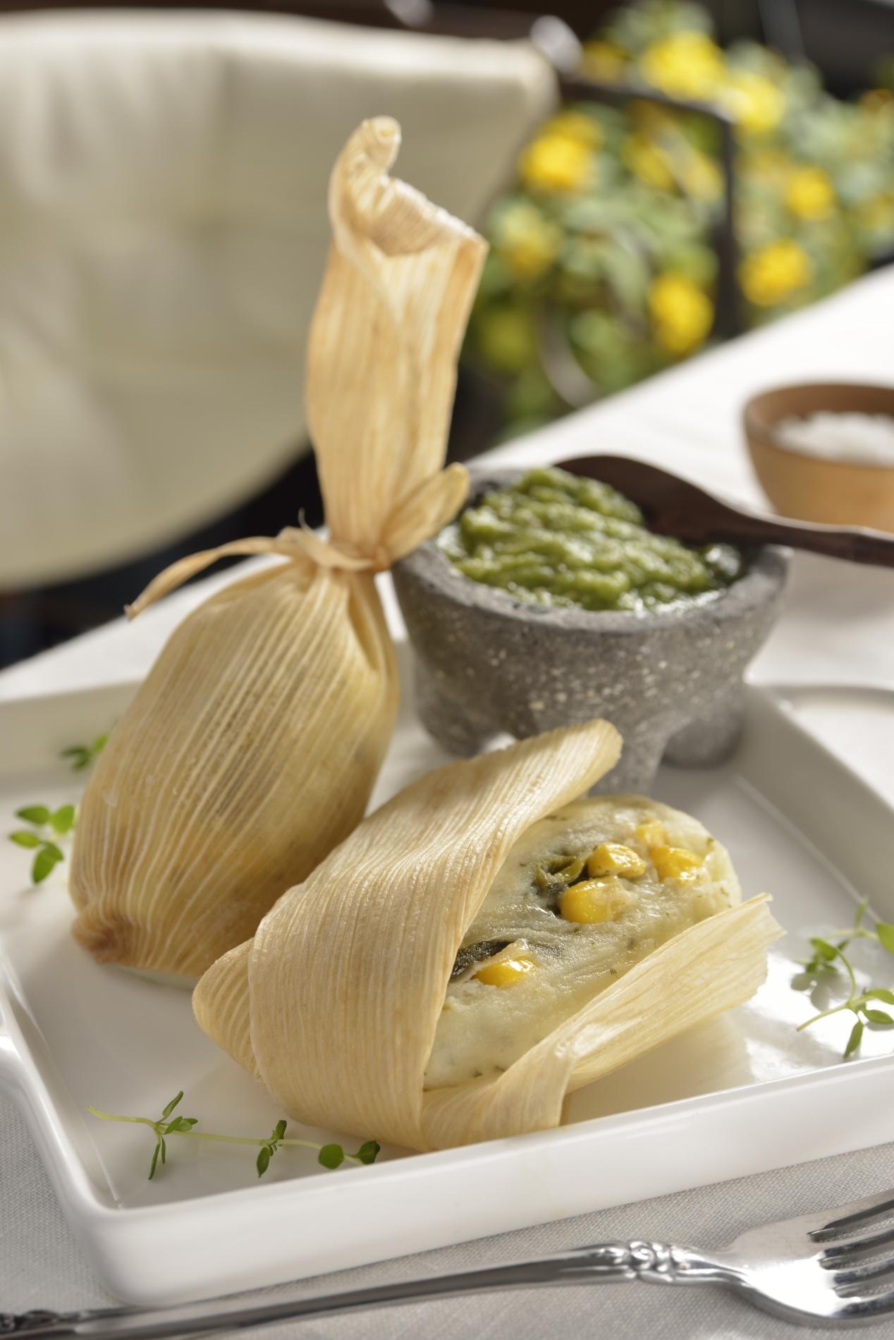 Tamalitos de papa, rajas y queso