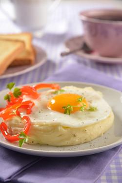 Huevos estrellados con pimientos
