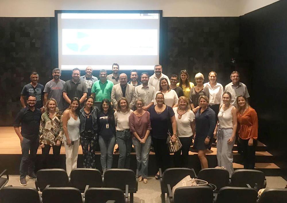 Empresários participantes da reunião do convention