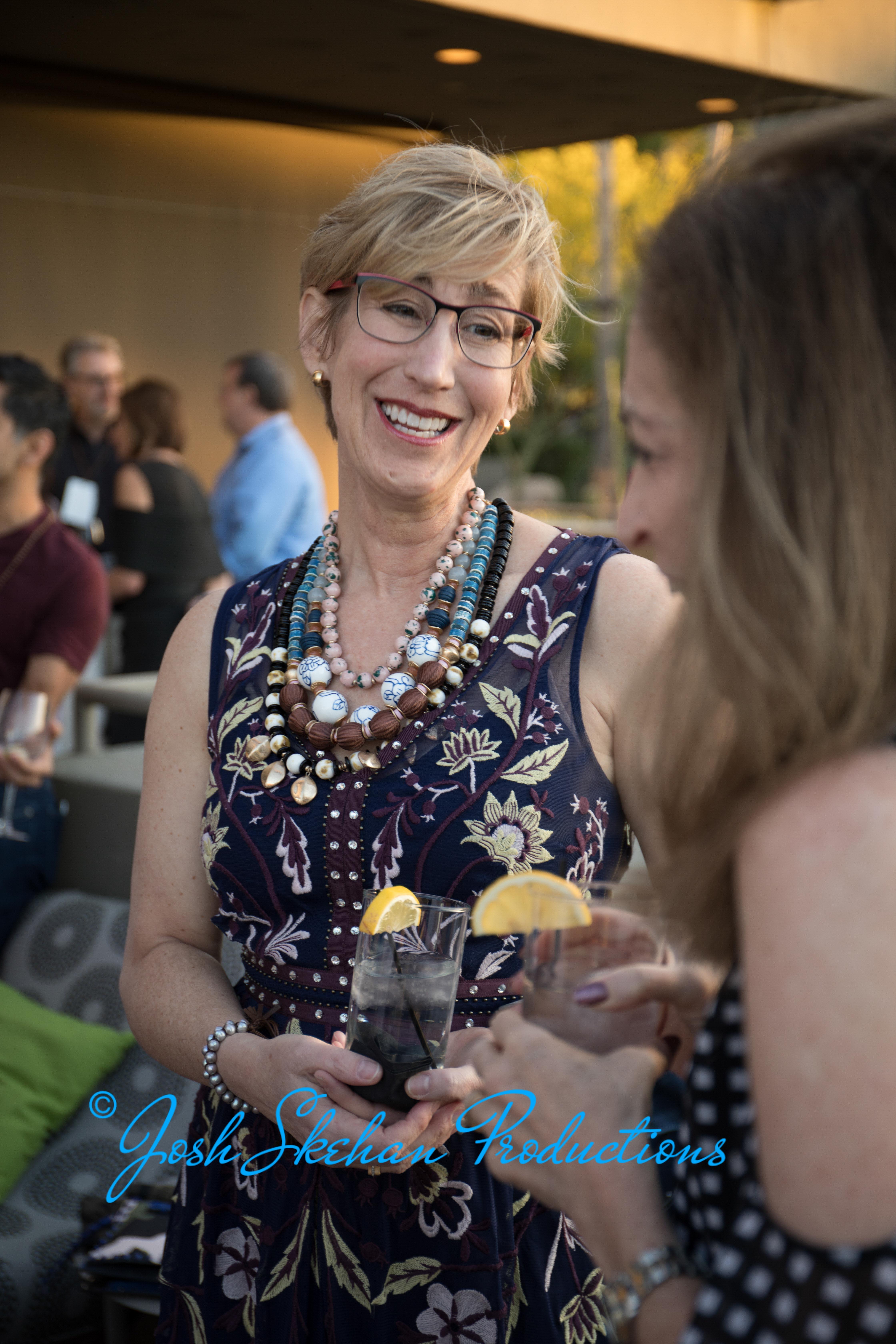 92 event photographer - cocktails - frie