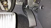 Descamboteamento do pedal de acelerador