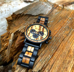 Western Style Uhr mit Holz