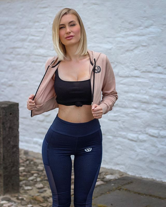 clothing, changewear, teamchange, sportbekleidung, sportswear, fitness fashion, streetwear, womens wear, gym wear, apparel, yoga pants, ladies, leggings, legging, crop top, tops, clothing, sports bra, bh, sport bra, sport bh