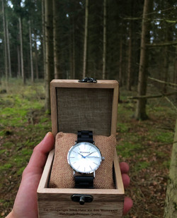 Basic Watch mit Holzkiste
