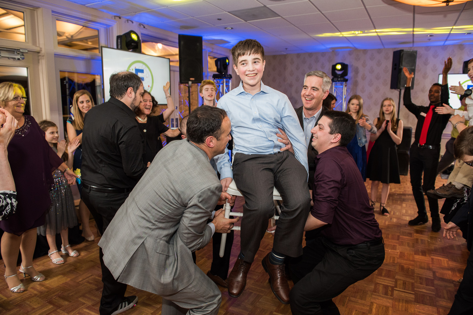 mitzvah party-490.jpg