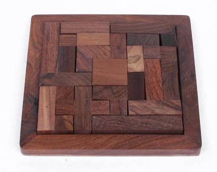 JIGSAW PUZZLE PLATE WITH 13 STICK