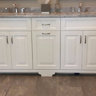 White Vanity with Furniture Toe