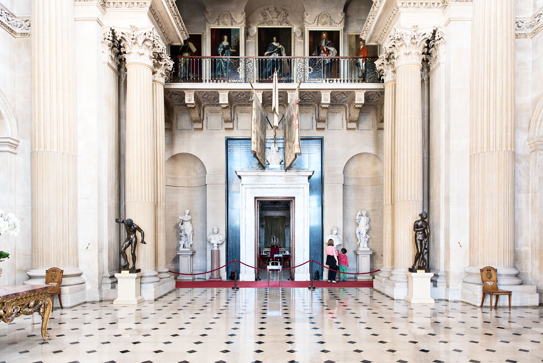 Blenheim-Palace-Entrance-Hall