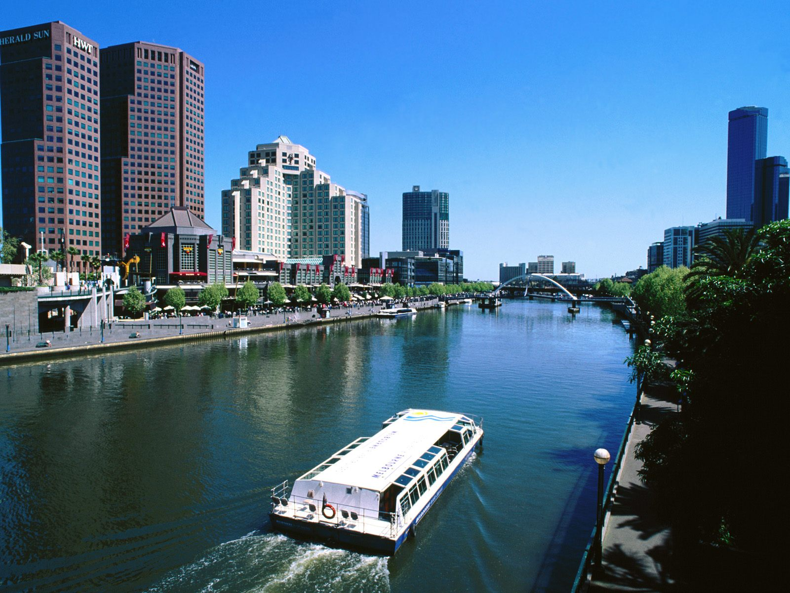 Yarra-River-and-Southbank-Melbourne-Australia