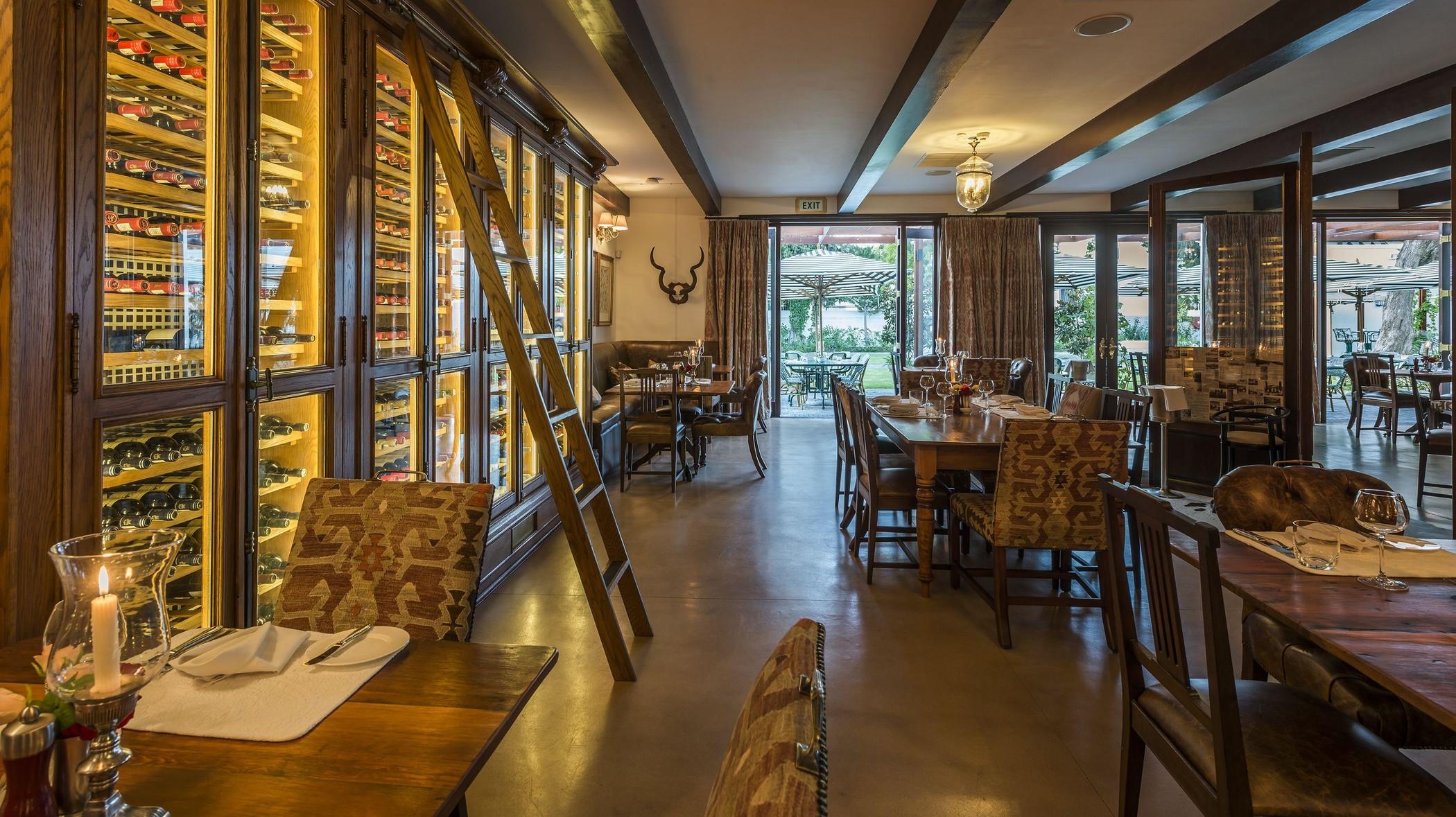 drostdy-hotel-facilities-restaurant-04