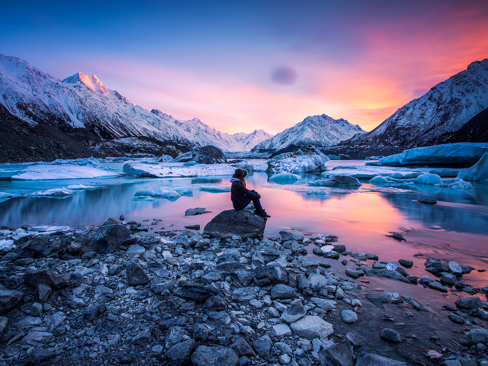 Tasman-Lake-Mount-Cook-Rachel-Stewart-pink-sky-web-tile